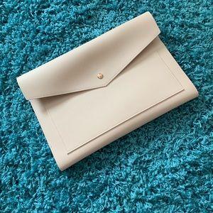 Handbags - Purse/clutch/organizer